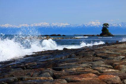 ビーチ 岩